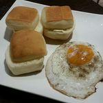 ブロッコリー - パン・目玉焼き