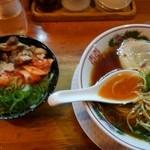 49886608 - 紅醤油ラーメン&豚丼(小)