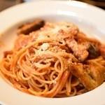 バルピノーロ - 厚切りベーコンと揚げなす・トマトソース