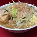 ラーメン二郎 - ●ラーメン(野菜,ニンニク,脂)