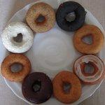 はらドーナッツ - ドーナツ8種類