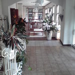 なごみCafe - 内観写真:2Fのエステルームから1Fへ降りてきたところ。静かでおしゃれな空間でパチリ