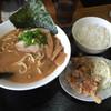 サクラ - 料理写真:サービスランチ  鯛だしらーめん+ランチ小+から揚げ小  880円