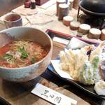 手打ちそばと朝宮茶の店 黒田園 - かけそばと天ぷら盛り合わせ