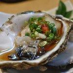 居酒屋丸一 - 岩牡蠣780円