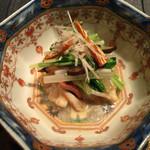 49985239 - 北寄貝と5種類の香菜とばちこの和え物
