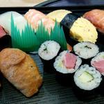 裕楽 - 寿司ランチ680円の寿司
