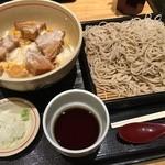 稲田屋 - 「お麩玉丼セット」900円。ご飯大盛り無料。冷蕎麦の大盛り110円。