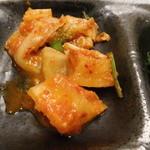 炭火焼肉 食道園 - 二種のキムチ(白菜・大根)