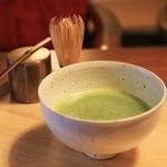 京都 アンテナショップ 丸竹夷 - ドリンク写真:抹茶(琵琶の白)