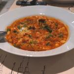 ダ ジョルジョ - 牛トリッパと白インゲン豆のトマト煮
