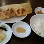 50023731 - 餃子定食。ミニ麻婆豆腐とスープも付いて700円。