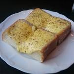 宮越屋珈琲 - チーズトースト