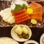 ○気 - 刺身定食(アップ1)さしみ(3種厚切11切)のUP