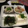 琉球ダイニング 風と島人 - 料理写真:ミミガー、刺身、豆腐、海ブドウなど