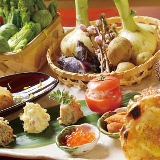 岐阜の季節を美濃焼で感じる。器は料理の着物。