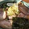 椿 - 料理写真:ネギチャーシュー中(1000円)です、丼がデカイんです。