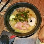 中華そば鷸 - 味噌+辛ネギトッピングにて、あえて細麺にて