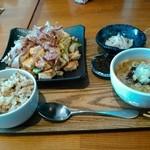 沖縄ごはん くくる食堂 - 料理写真:なかなかのボリューム。大食漢の私が大満足w
