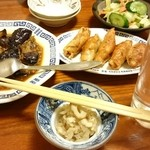 食い道楽  - おしんこ160円・鶏皮餃子550円・麻婆なす580円☆どれも美味、つまみに最適です!