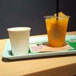 ノードカフェ - マンゴージュース(\250)