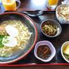 琉球茶房あしびうなぁ - 料理写真:沖縄そば定食(800円)