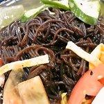 韓国料理 シンガネ - 黒くてコシのある冷麺