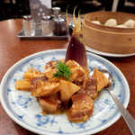 龍鳳 - 〔春限定〕新筍と豚角煮(¥2400)。山椒の葉が乗っているのは、和風中華らしいアクセント♪