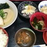 50204636 - 筍ごはん定食