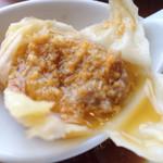 鼎泰豐 - 蟹味噌入り小籠包