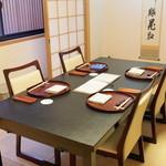 山玄茶 - テーブル席