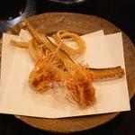 天青 - 海老の脚と鱚と穴子の骨煎餅