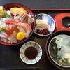 滝太郎 - 料理写真:海鮮丼1080円