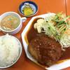 関白 - 料理写真:ミンチカツ定食850円