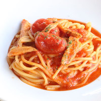 ダッテリーニトマトとスモークチキンのパスタ ハバネロ仕立て
