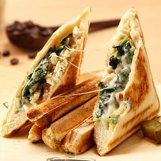 パンとチーズにこだわった具だくさん【グルメサンド】
