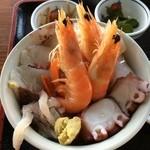 海鮮市場 長崎港 - 地げ丼