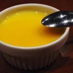 50353502 - マンゴーソースの甘酸っぱさと杏仁霜の香りがスッキリとした食後感にいざないます