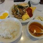 キングチャイナ - A定食(焼肉&オムレツ)850円