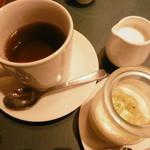 バッカ - 料理写真:食後の紅茶とデザート