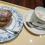 ドトールコーヒーショップ - シューシャポーセット(カフェオレS) 390円