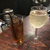 ルーナプレヌ - ドリンク写真:コースはワンドリンク制 樽詰スパークリングワイン 大グラス  500円 ウーロン茶  350円