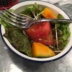 野菜を食べるカレーcamp - 朝カレーのサラダ