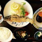 桝屋 味処 - ニジマス唐揚げ定食 ゆば煮物