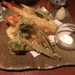寧々家 - 天ぷら盛り合わせ♪春野菜が嬉しいですね(^O^)