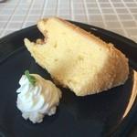 サンカフェ - 料理写真:シフォンケーキ