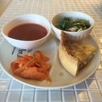 サンカフェ - 料理写真:キッシュとスープのランチ