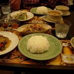 ドゥワン ディー - ランチセット(野菜炒め)