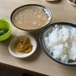 白ひげ食堂 - 豚汁定食
