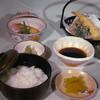 モッチョム山荘 - 料理写真:天ぷら定食 1000円